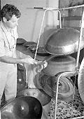 Pan maker